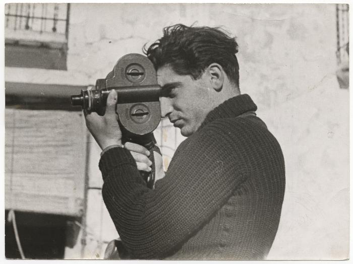 Gerda Taro. [Robert Capa, Segovia front, Spain]. International Center of Photography. www.icp.org